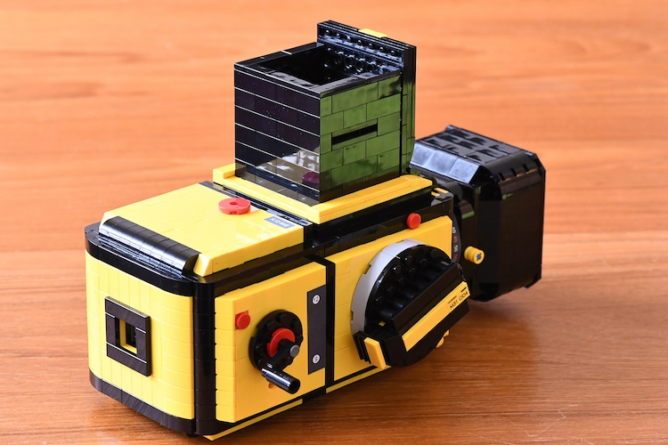 Lego Minifig Camera : Designer creates functioning lego camera based on a hasselblad