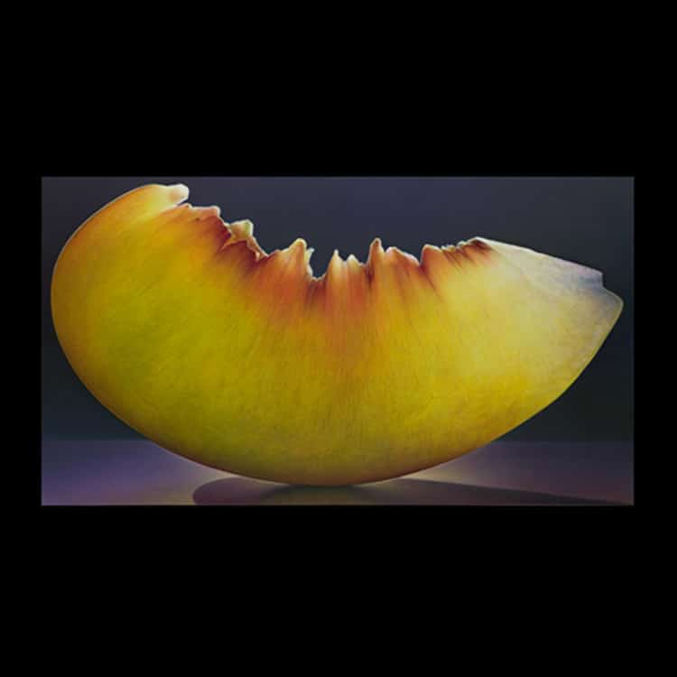 Photorealistic Paintings of Fruit by Dennis Wojtkiewicz