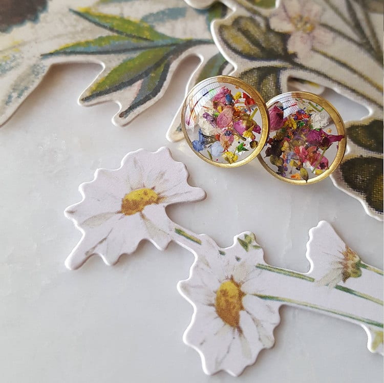 Resin Flower Jewelry Made from Flowers