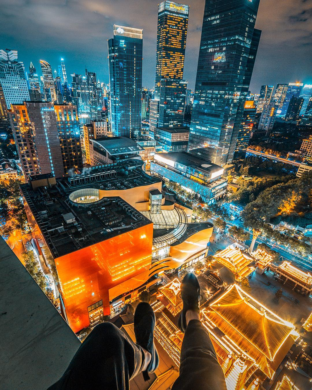 Night Photography Shanghai by Victor Chiang
