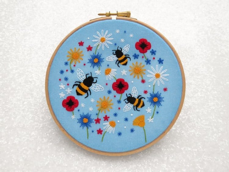 """""""Bees and Wildflowers"""" Kit Broderie"""
