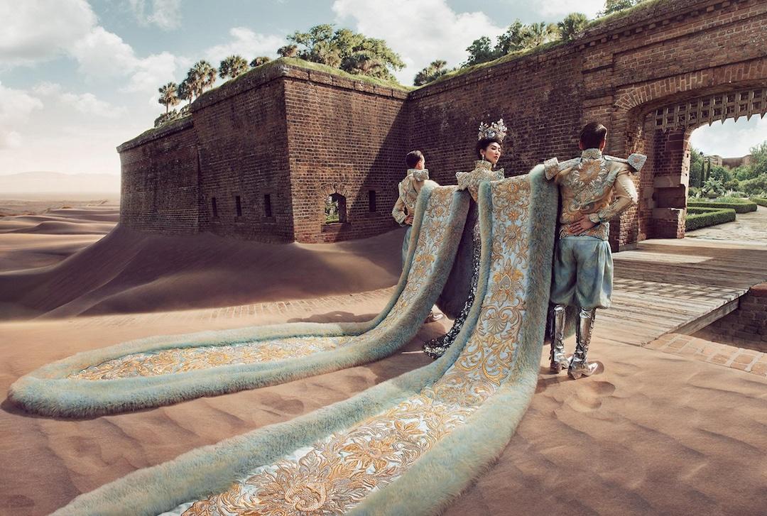 Alta costura china de Guo Pei por HOWL Collective