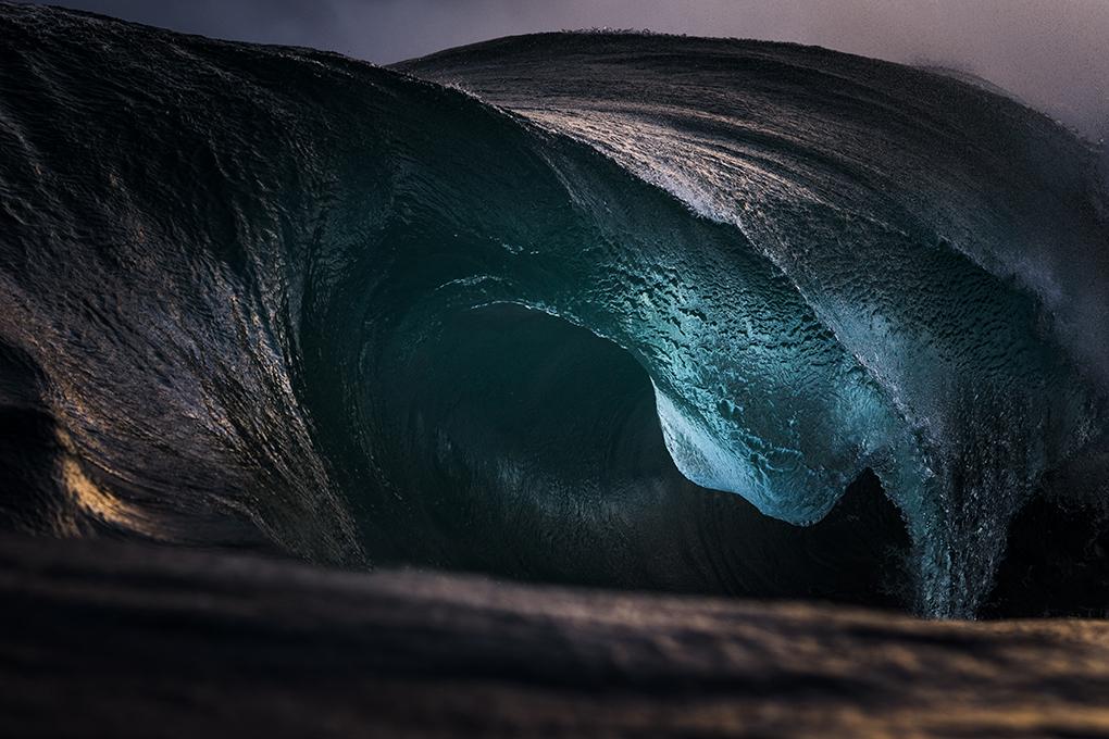 Fotografía Abstracta de Olas del Mar por Ray Collins