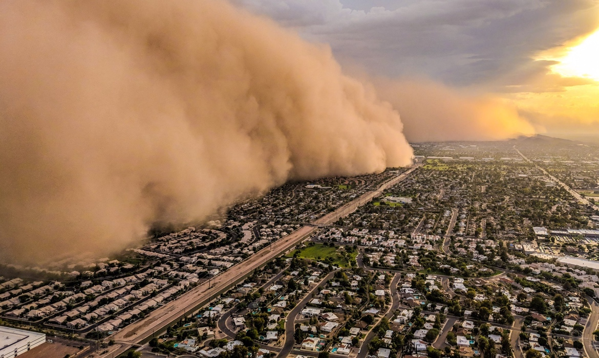 Incredible Photos Of Massive Dust Storm Taken From Fleeing News Helicopter