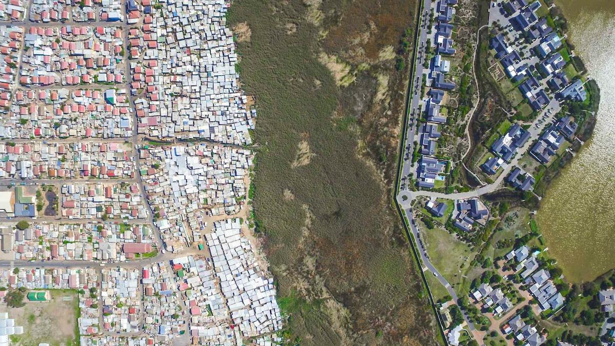 fotografía aérea de desigualdad