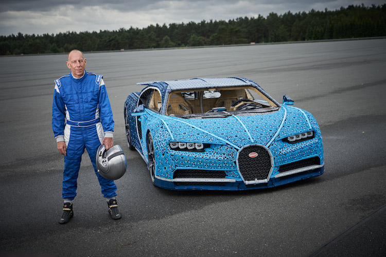 LEGO Car Modeled after Bugatti Chiron