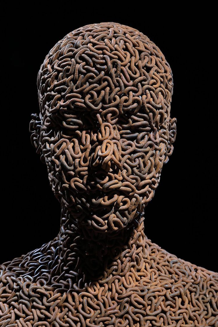 Chain Link Sculpture by Young-Deok Seo