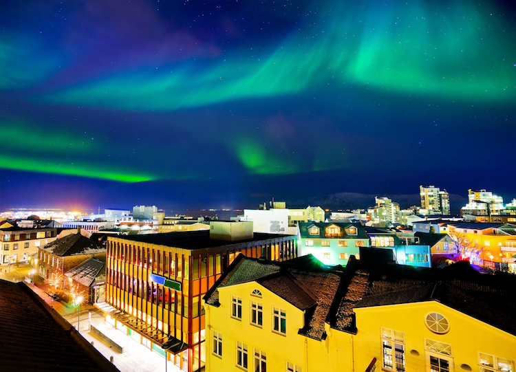 WOW Air Cheap Flights to Iceland Best Time to See the Northern Lights in Iceland