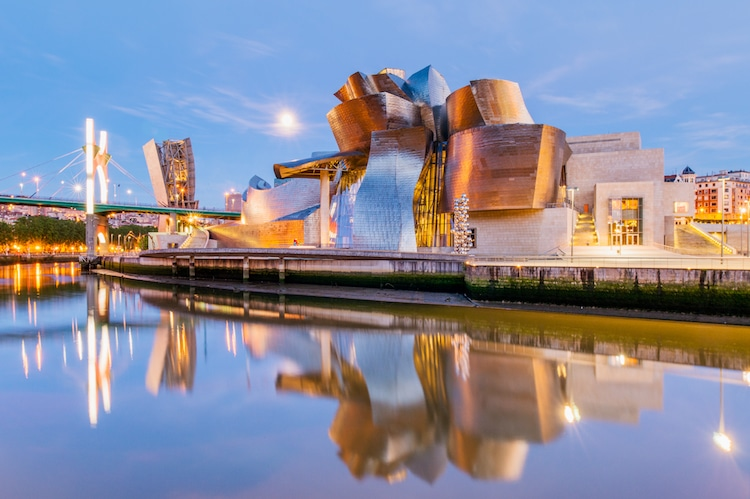Famous Museum Architecture Famous Museums Guggenheim Bilbao