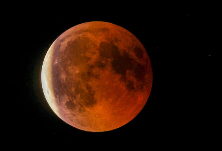 A Super Blood Wolf Moon Is Coming In January 2019