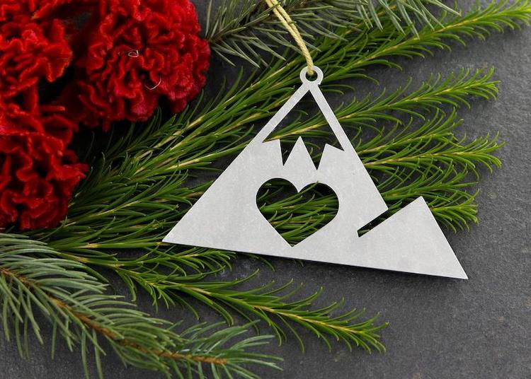 Metal Mountain Ornament
