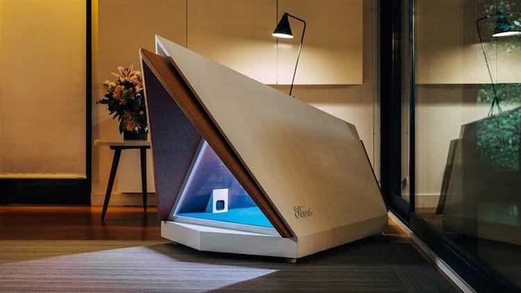 Noise-cancelling Dog Kennel by Ford Europe