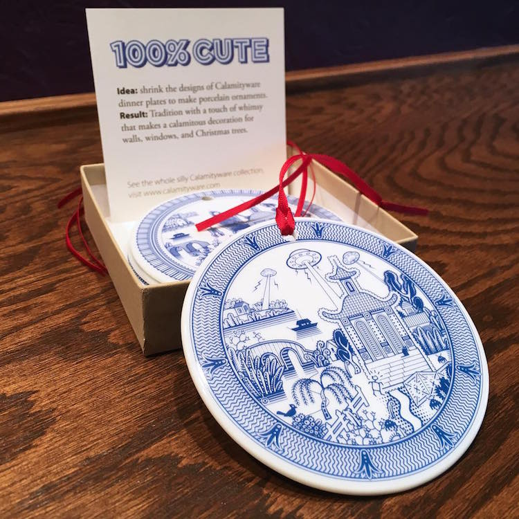 Designer Christbaumkugeln.Tipp No 71 Funny Fantasy Disaster Scenes On Porcelain Plates