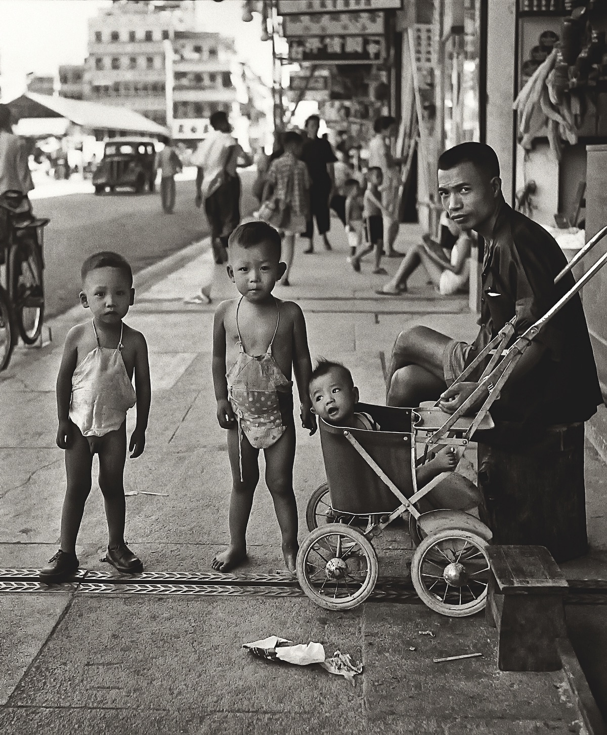 Fan Ho - Hong Kong Street Photography at the Blue Lotus Gallery