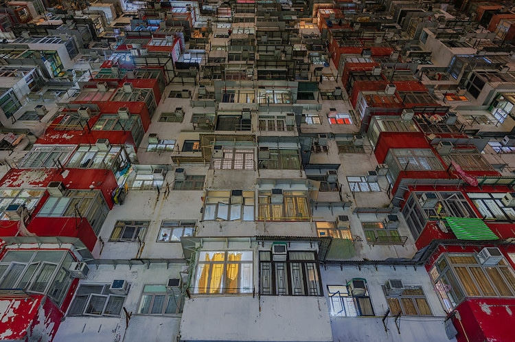 Urban Density in Hong Kong by Dietrich Herlan