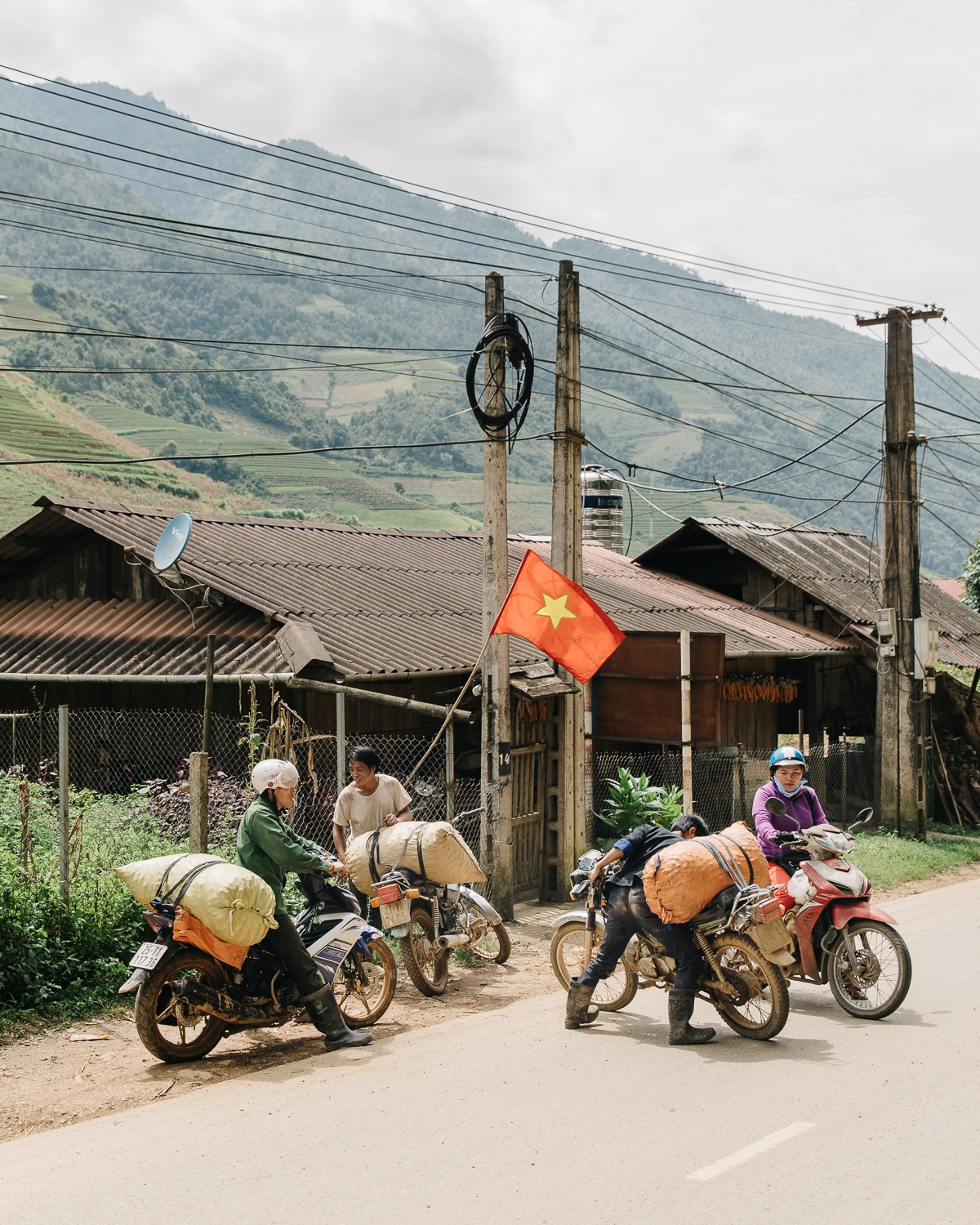 The road between Hanoi and Mu Cang Chai