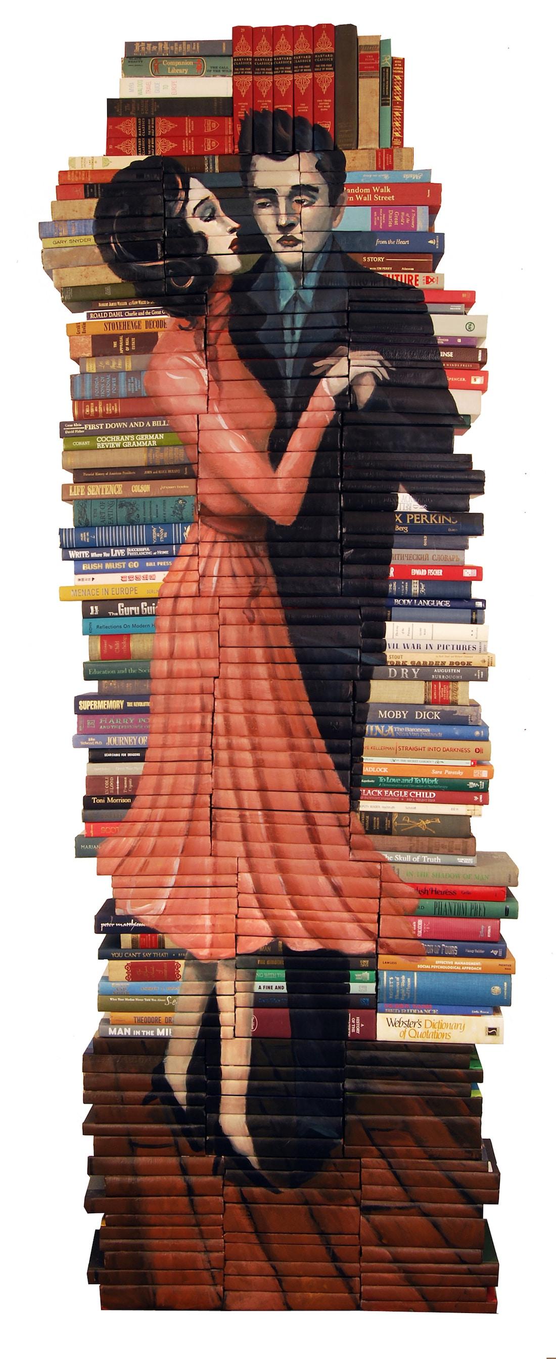 Mike Stilkey escultura de libros