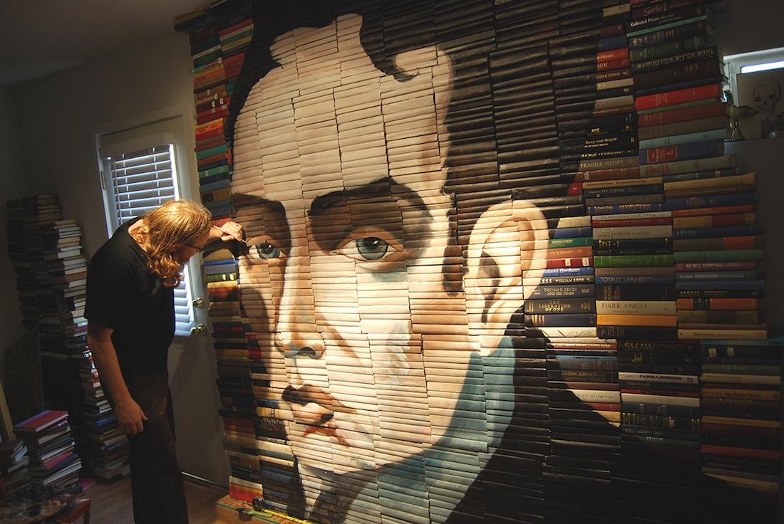 Mike Stilkey decorar con libros