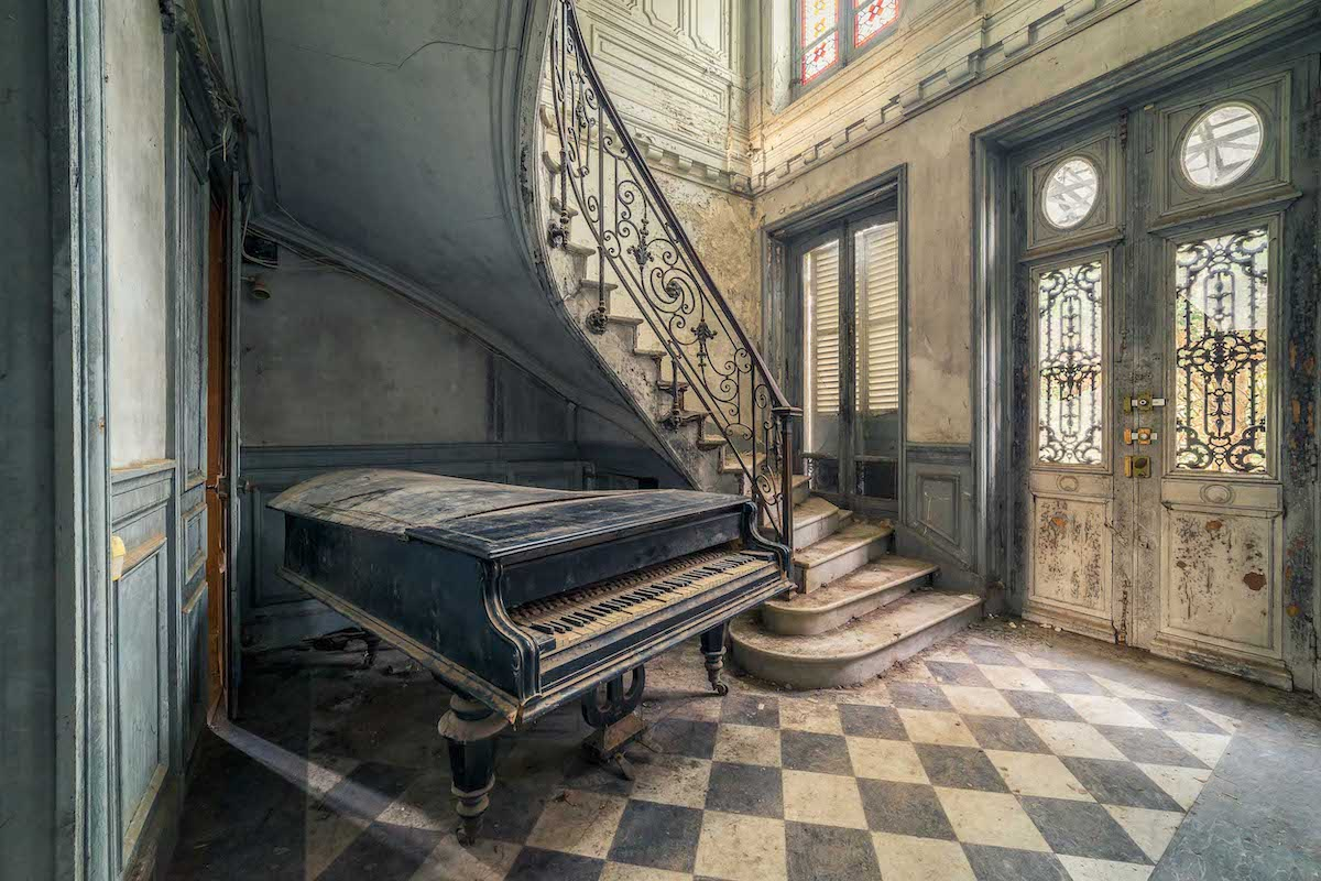 Photo of Abandoned Place by Michael Schwan