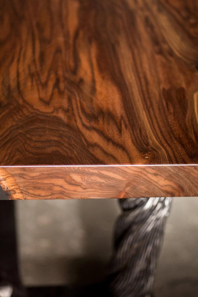 mesa artesanal hecha con los cables del puente golden gate nogal negro de california
