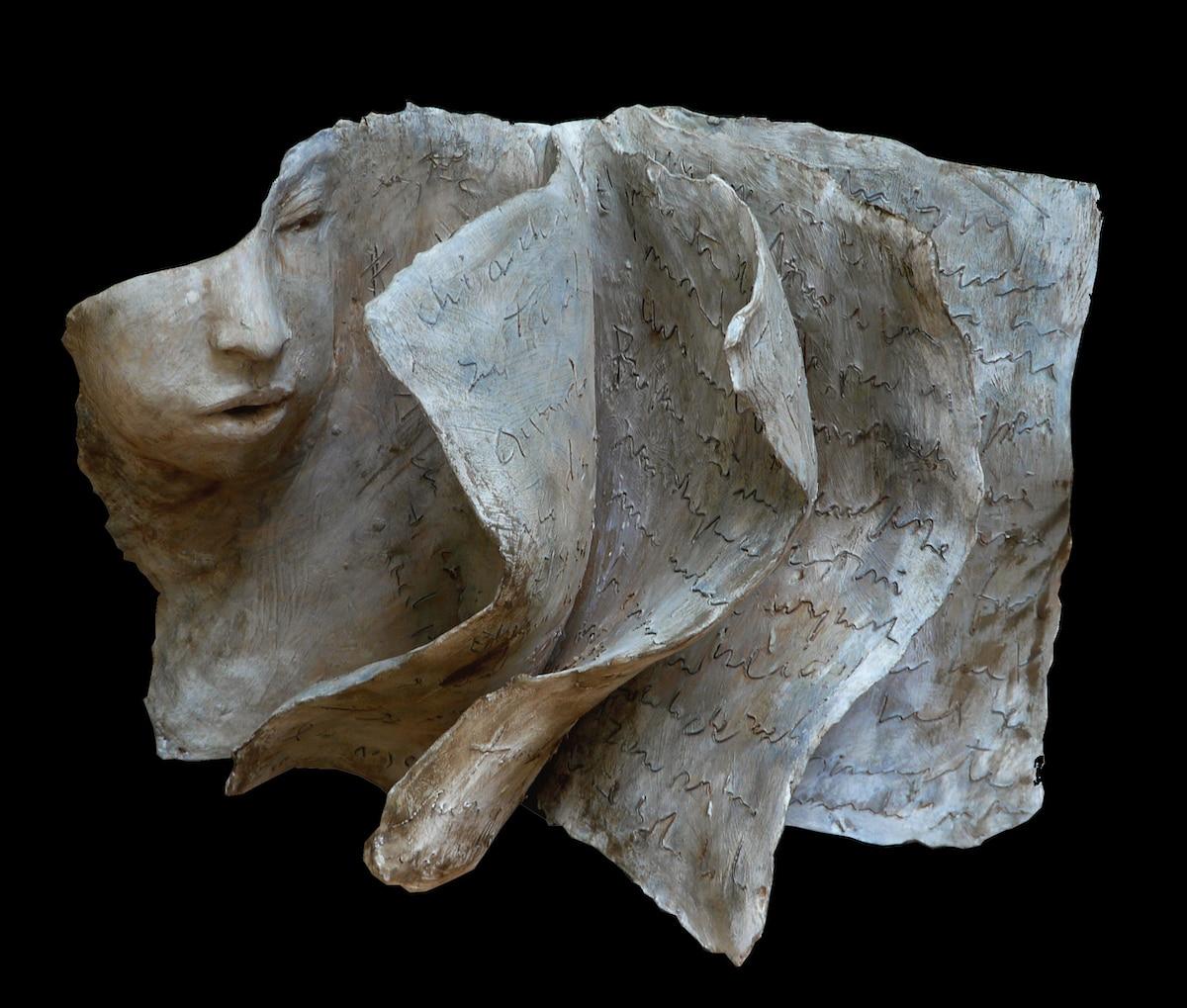 escultura de terracota por Paola Grizi