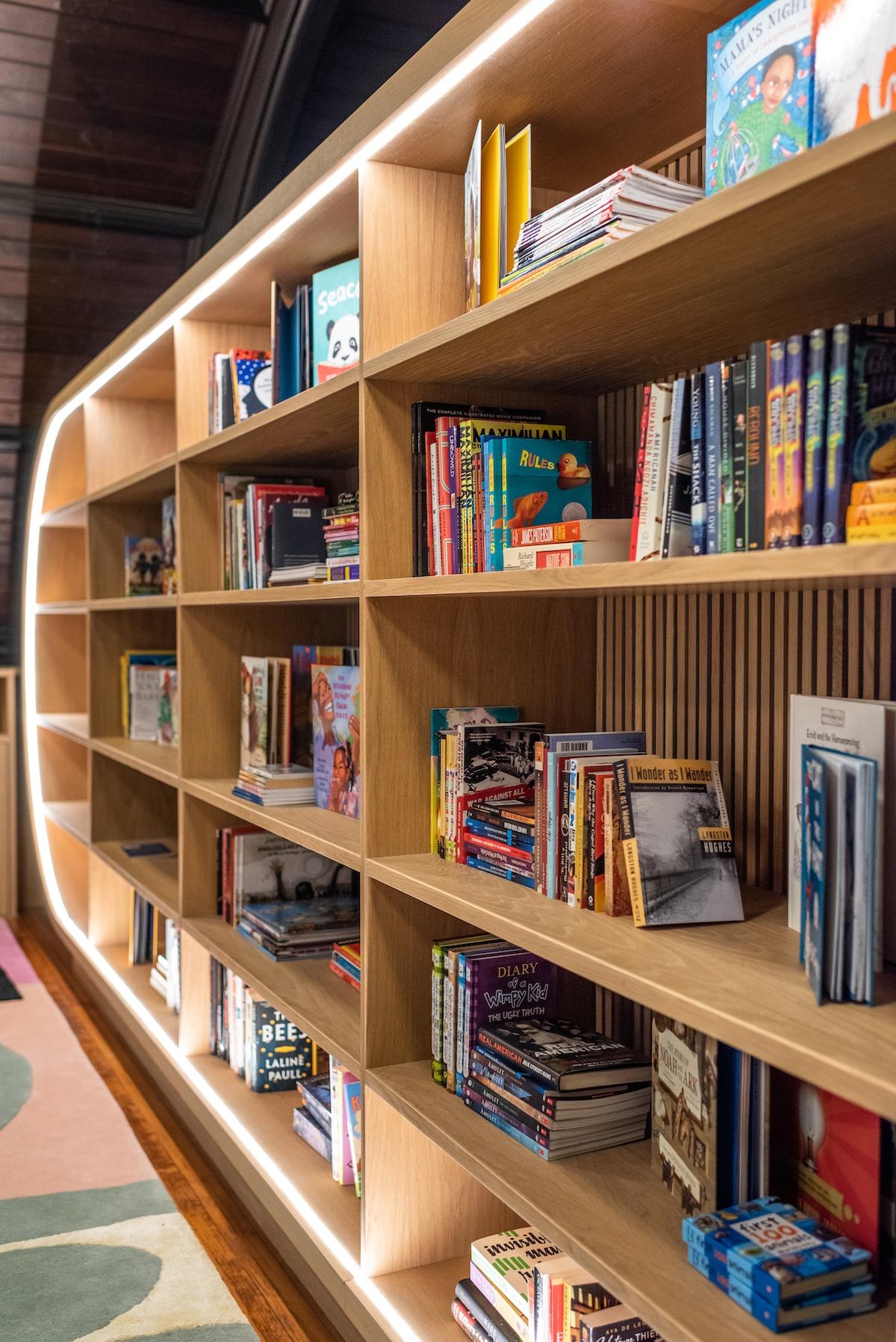 Diseño biblioteca para niños por MKCA
