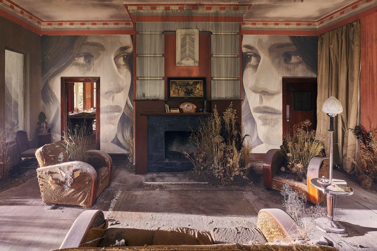 Rone - Empire - Street Art in Abandoned Art Deco Mansion