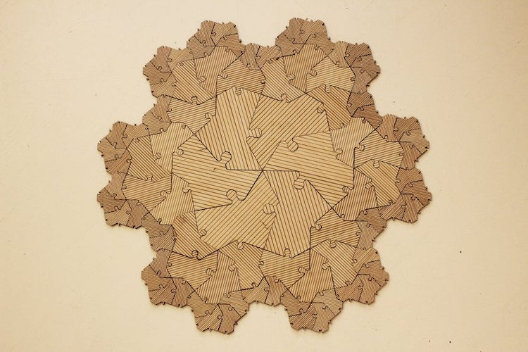 Wood Fractal Puzzle Game