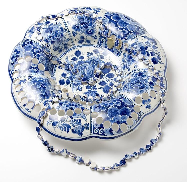 Antiche ceramiche trasformate in preziosi pezzi di gioielleria di Gésine Hackenberg