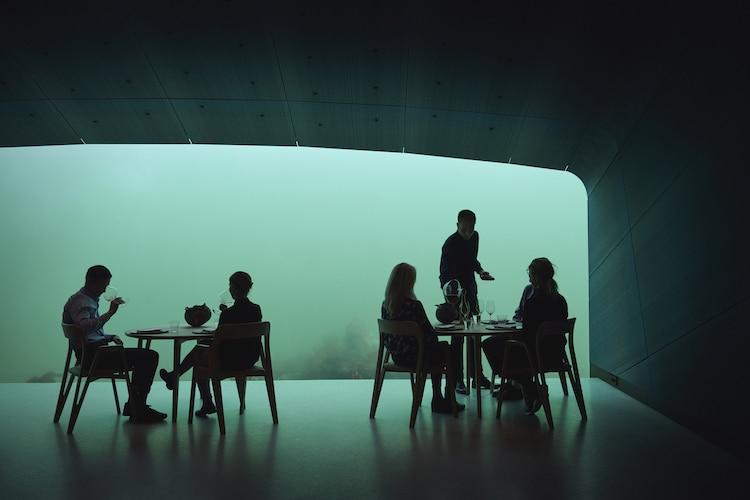 Restaurante submarino en Noruega
