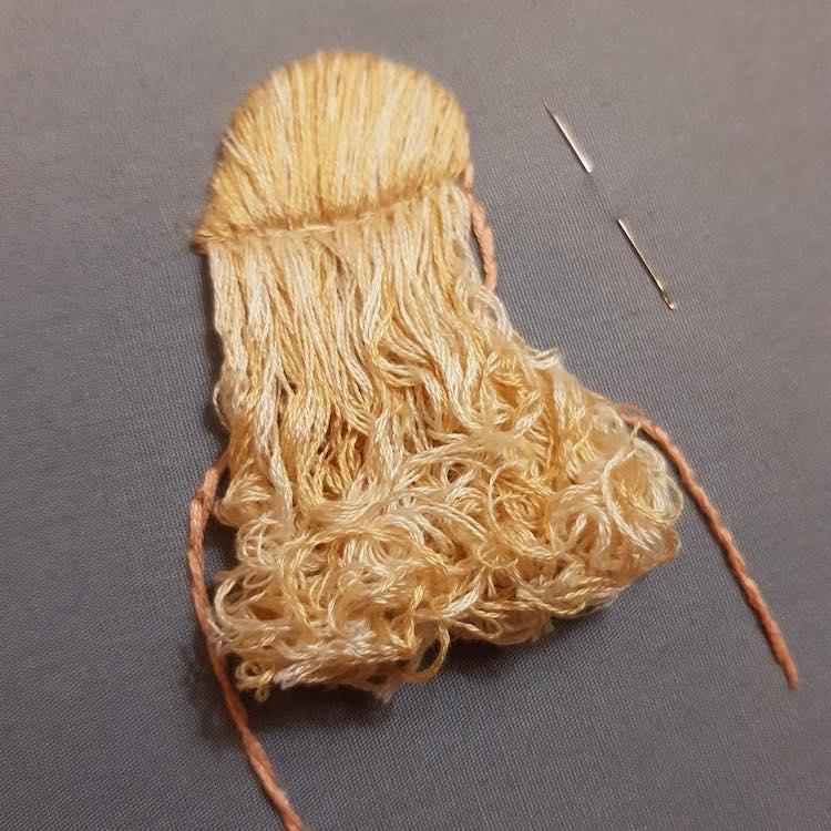 Peinados bordados en 3D por Bernita Broderie