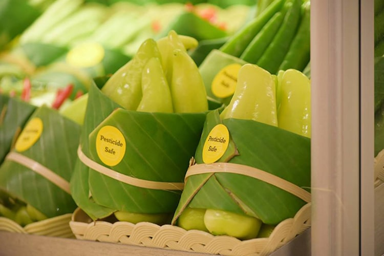 Banana Leaf Packaging in Asian Supermarkets
