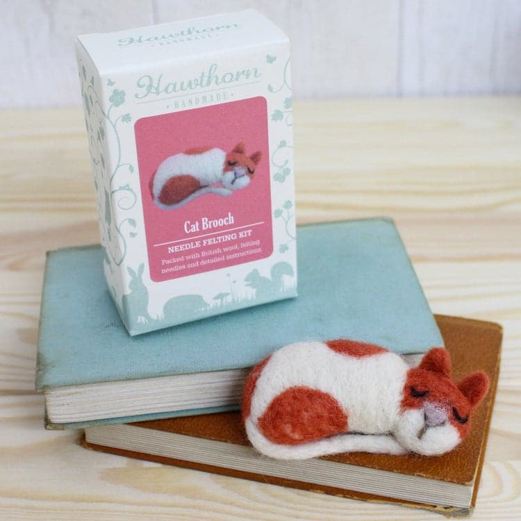 Needle Felting Cat Brooch