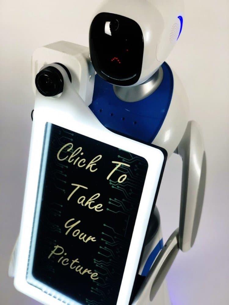 Eva robot fotógrafo