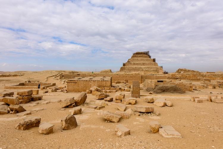 Pyramide à degrés à Saqqarah