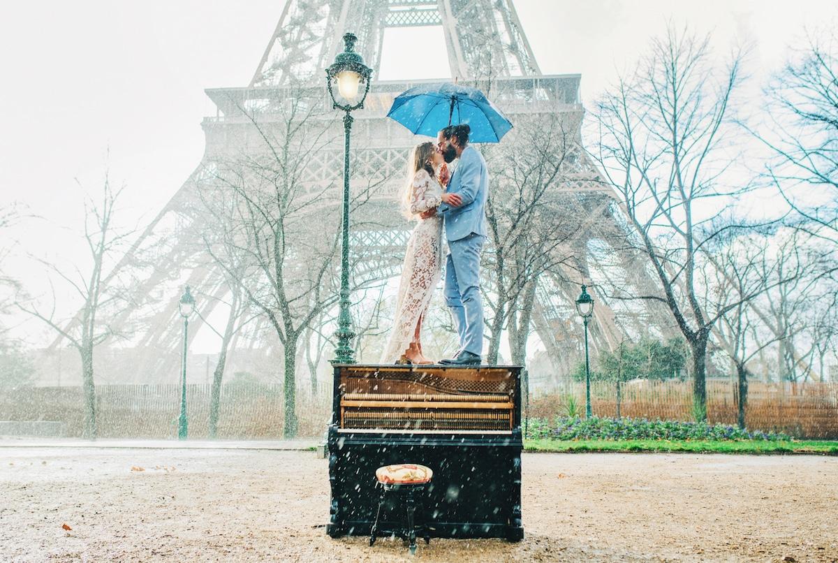 Romantic Wedding Photos in Paris by Priscila Valentina