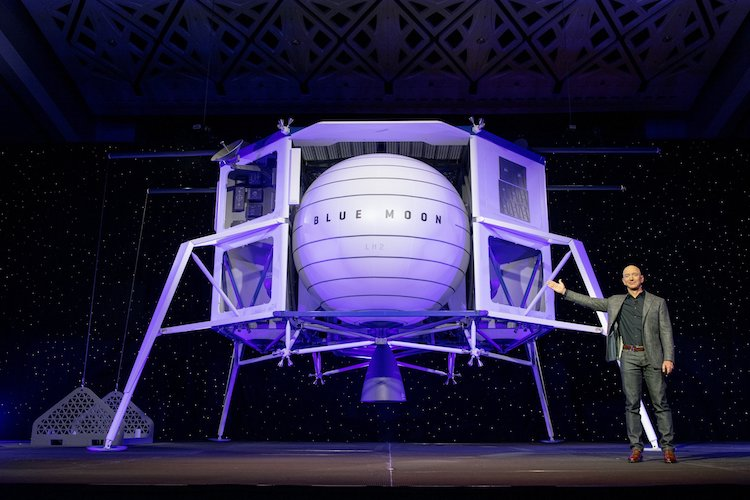 Jeff Bezos and Blue Origin Announce the Blue Moon Lander