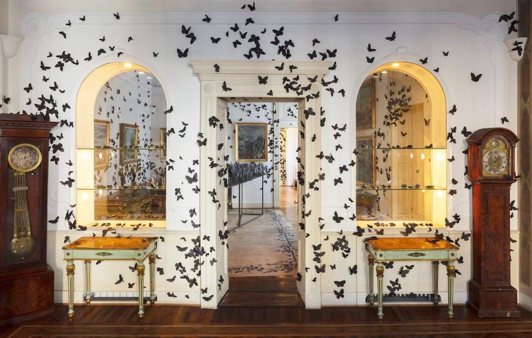 Mariposas de papel de Carlos Amorales