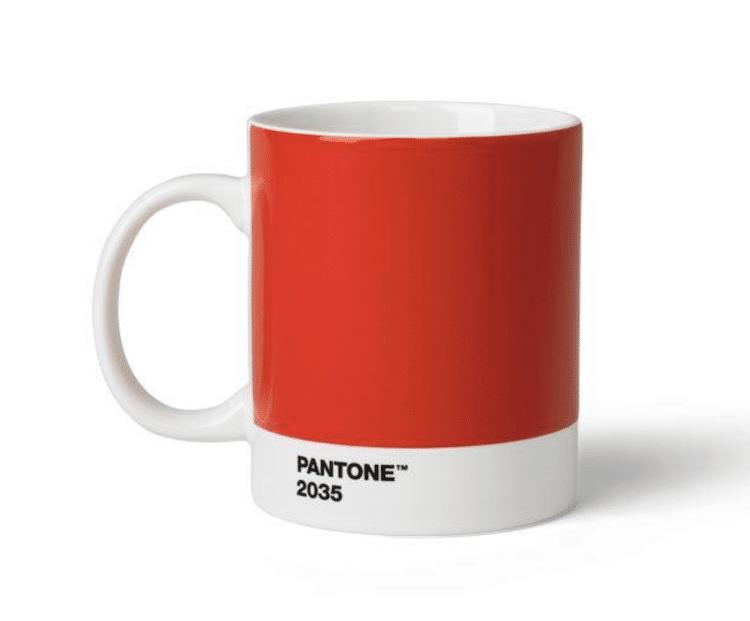 Taza roja de Pantone