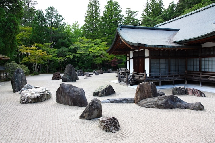 How Japanese Rock Gardens Became Expressions Of Zen