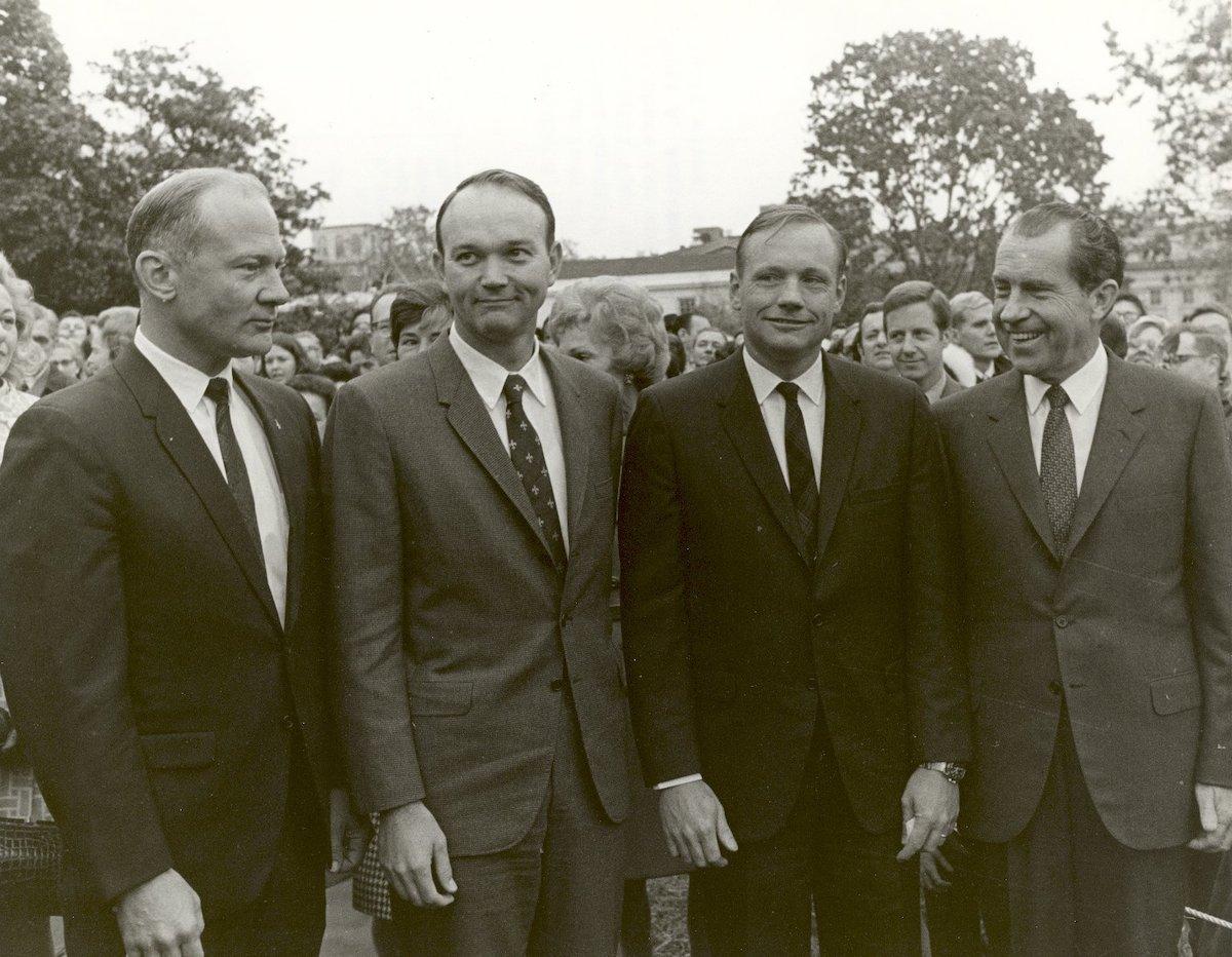 Tripulación de Apolo 11 con el presidente Nixon