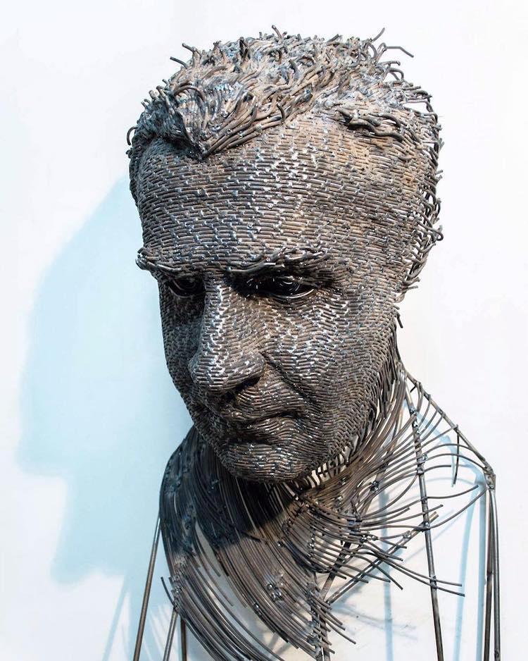 Escultura retrato por Darius Hulea