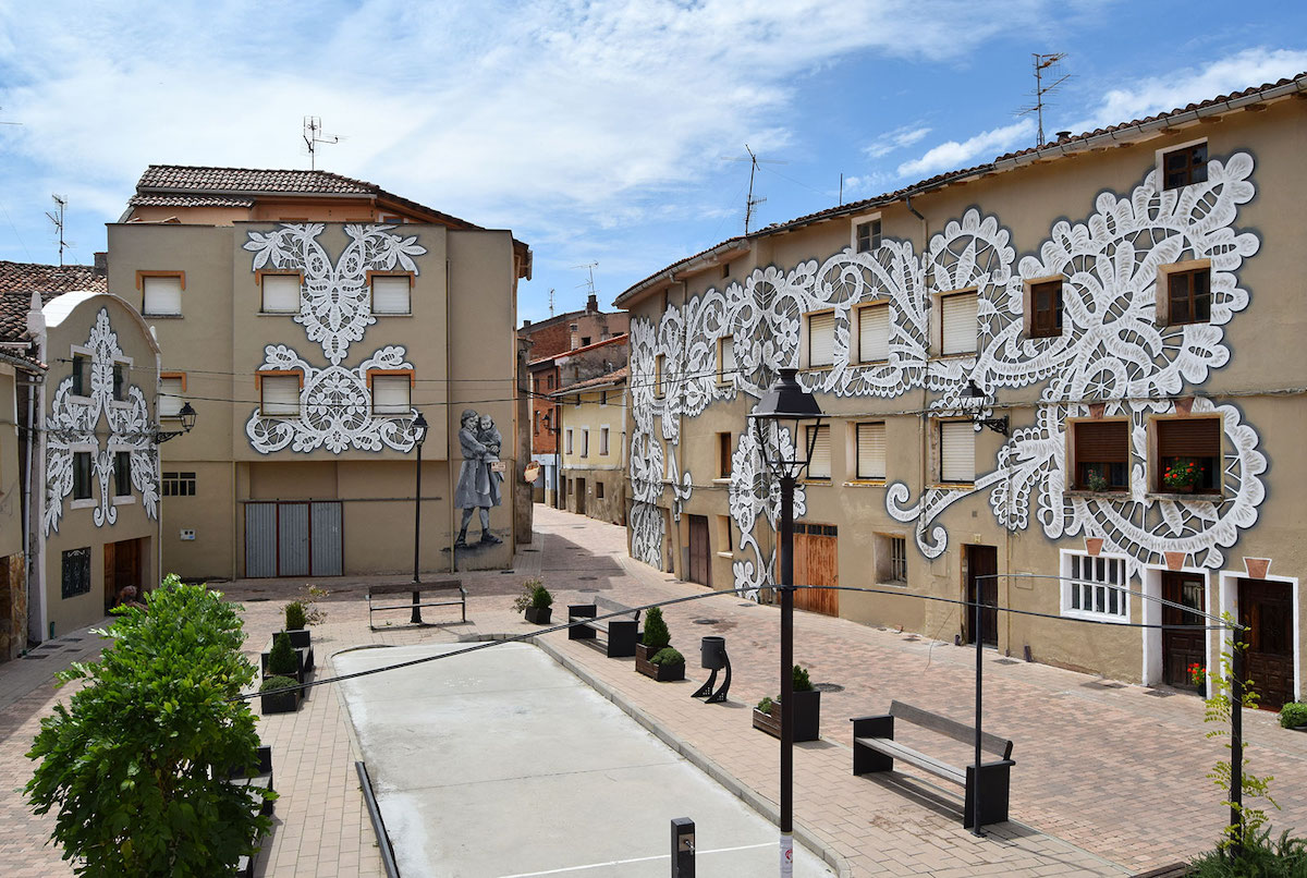 Community Art Project in Belorardo