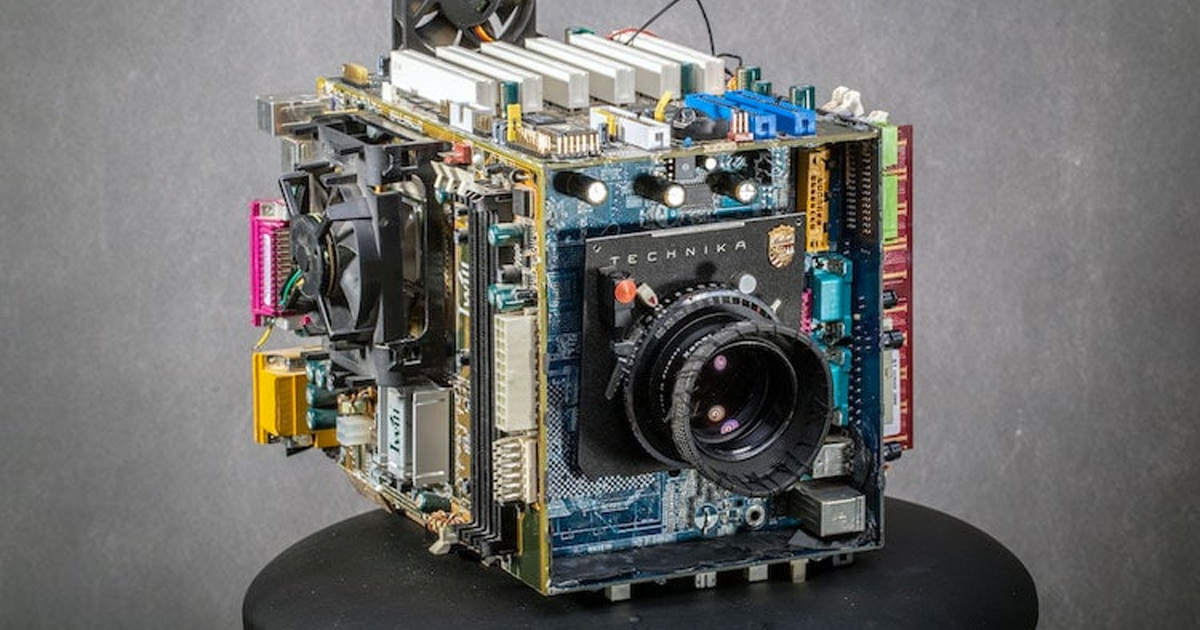Photographer Transforms 20-Year-Old Computer into Functioning Camera