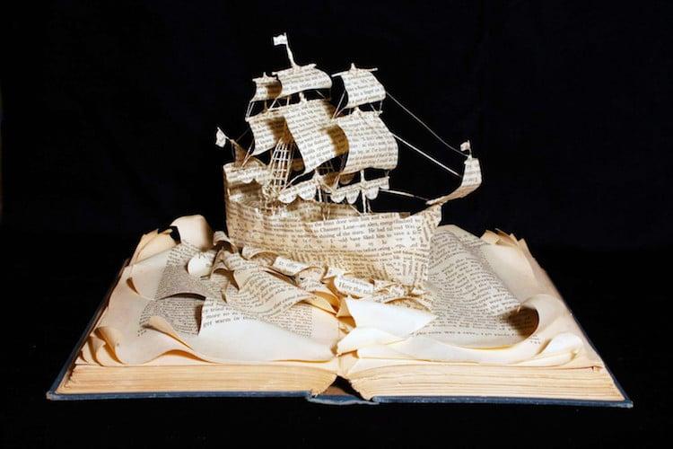 Esculturas con libros de Emma Taylor
