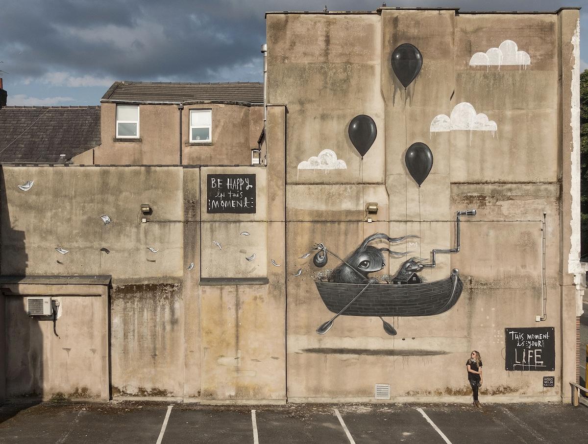 Murales callejeros surrealistas de Hayley Welsh