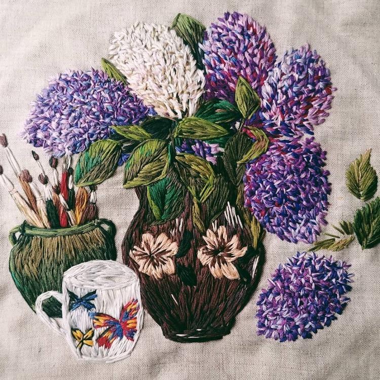 flores bordadas por Nadia Garutt