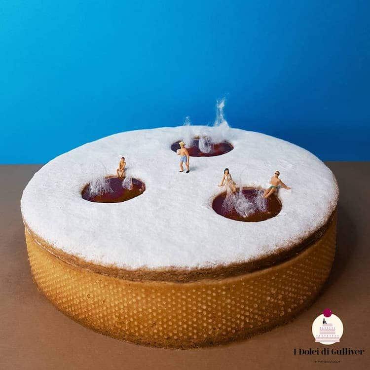 Le torte diventano le basi per scene di vita in miniatura di Matteo Stucchi