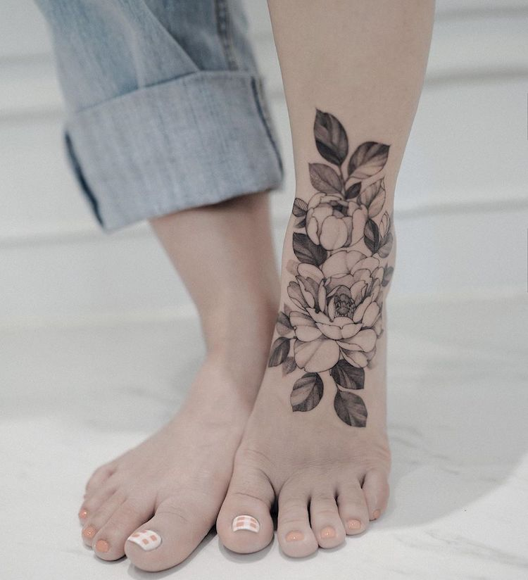 Blackwork Tattoos by Zihwa