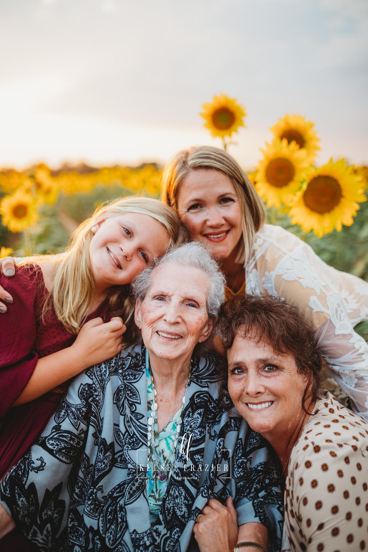 Cuatro generaciones de una familia